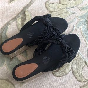 Size 10 worn once sandals from H&M.